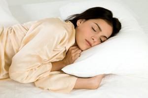 Çfarë ndodh me trupin kur flemë?