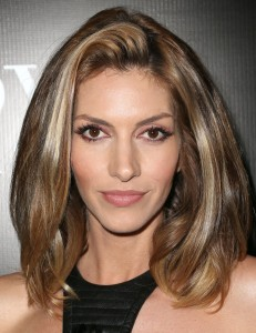 Modeli i flokëve me gjatësi të mesme