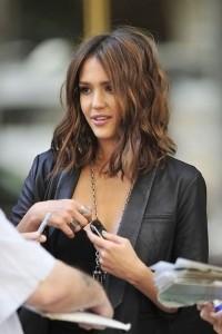 Modeli i flokëve me gjatësi të mesme4