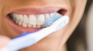 Ja çka ndodh nëse nuk i pastroni dhëmbët