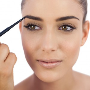 Here's how to make full eyebrows in home conditions
