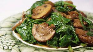 Dieta me kërpudha dhe spinaq